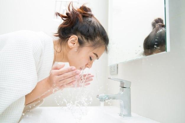 شستشوی-روزانه-پوست