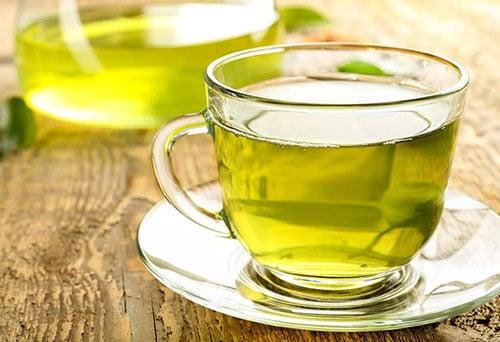 چای سبز برای درمان لک های پوستی