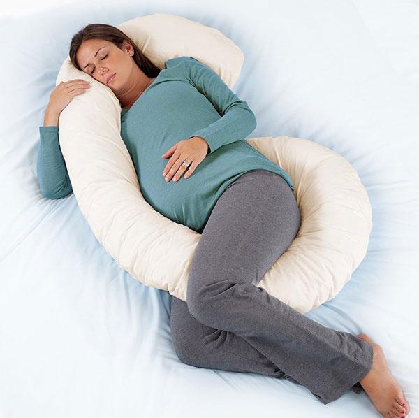 موقعیت و حالت خوابیدن در بارداری ، بالش بارداری  ، بالشت مناسب بارداری