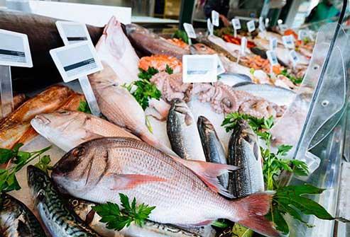 خوردن ماهی سالمون ، ماهی های چرب ، پیشگیری از ریزش مو ، جلوگیری و درمان ریزش مو