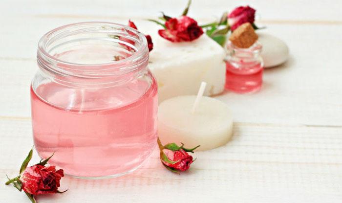 استفاده از گلاب یا آب یا عرق گل رز ، برای شادابی و روشن کردن پوست و روشن شدن و سفید شدن پوست