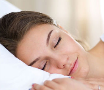 داشتن پوستی روشن ، سفید ، سالم ، شاداب ، چگونه پوستی روشن داشته باشیم ؟ تاثیر خوابیدن